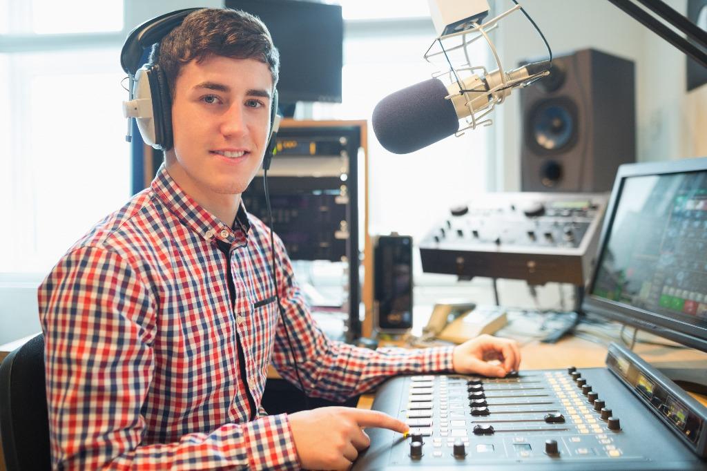 Como montar uma rádio de sucesso